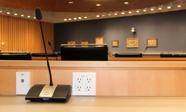 Caduta di corrente in un locale: cosa fare?