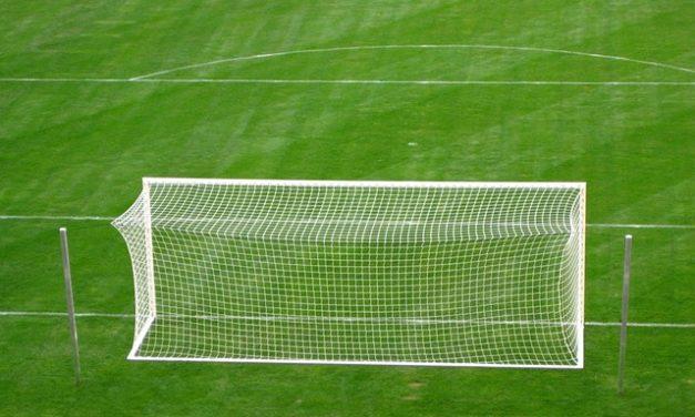 Fifa 12 per PS3: il sistema di controllo del calcio di punizione spiegato in termini semplici