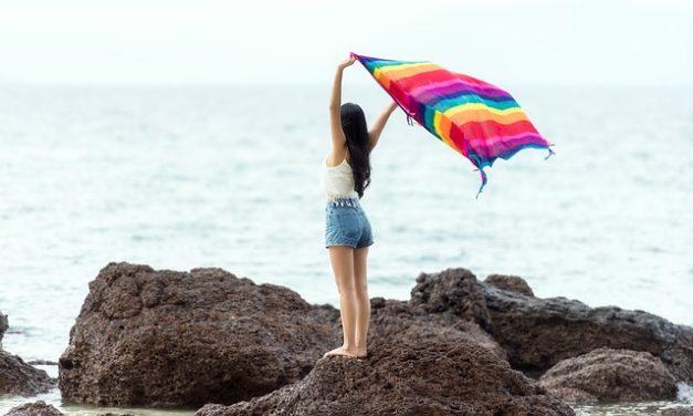 Rasatura della linea bikini: energia elettrica delicata