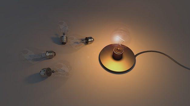 Lampadine di ricambio per catene luminose: Informazioni importanti sui valori elettrici