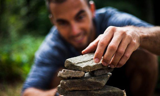 Chiodi in legno: trattare i piedi correttamente