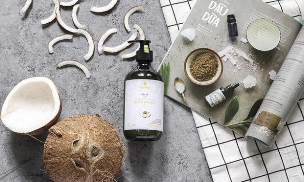 Cura dei capelli con olio di jojoba
