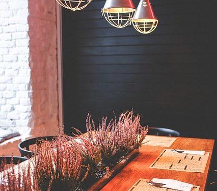 Montaggio della lampada della sala da pranzo regolabile verticalmente