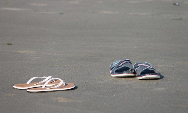 Scarpe per piedi larghi: cosa considerare quando si sceglie la taglia giusta