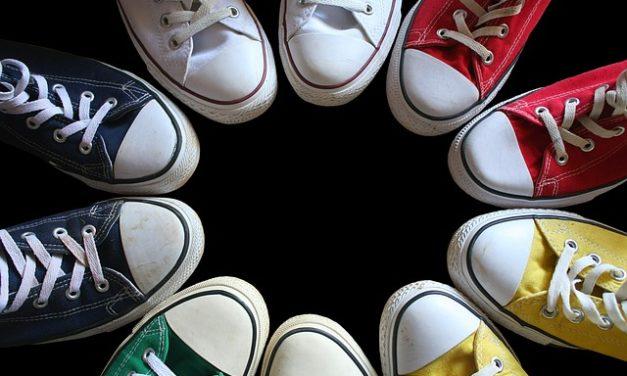 Combinazione di stivali alla caviglia: questo è il modo in cui puoi farlo con stile