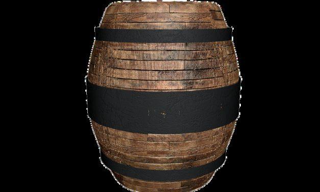 Conversione delle botti di legno in tavoli alti: Istruzioni