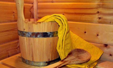 Con il tatuaggio nella sauna: dopo la pugnalata, notate questo
