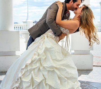 Abiti per cerimonie di matrimonio civile: vestire in stile