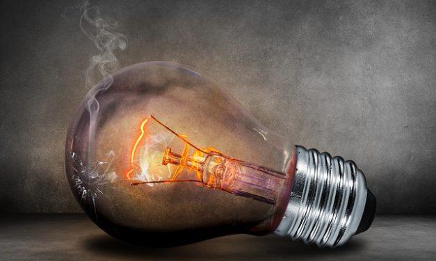 Quanto elettricità consumano 2 persone? Come calcolare i costi previsti