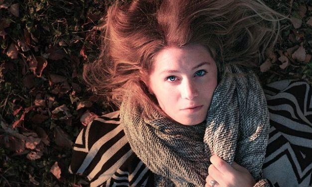 Come si riconoscono le doppie punte? Come mantenere i capelli sani