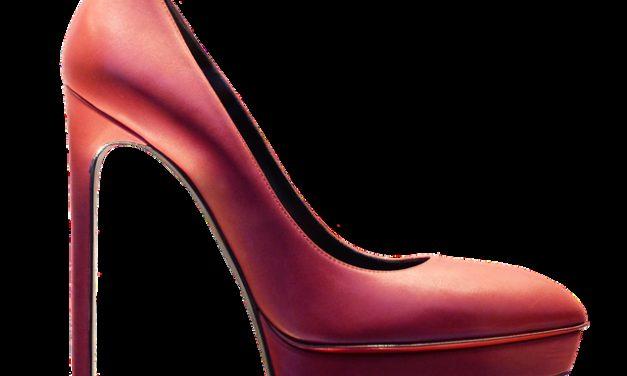 Pompe da indossare: come imparare a camminare sui tacchi alti