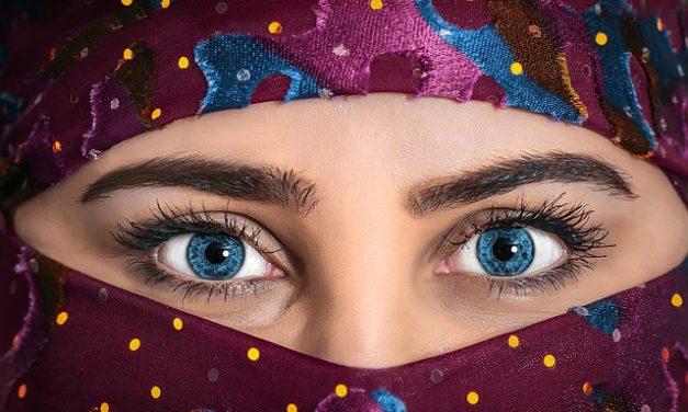 Rimozione dei fiocchi di pelle sul viso