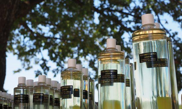 Oli essenziali: Miscele personalizzate: due ricette per gli oli da massaggio con lavanda