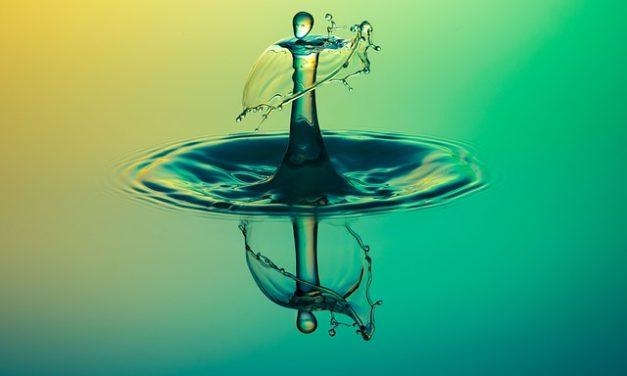 Specchio bagno con luce: come installarlo correttamente