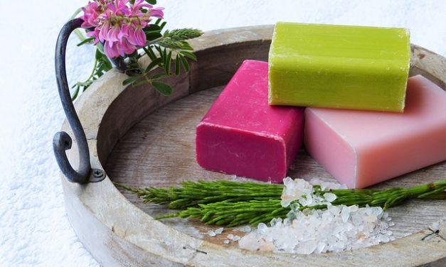 Acqua salata buona per la pelle? Come utilizzare al meglio i principi attivi