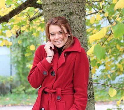 Cappotto rosso: questo accessorio si adatta ad esso