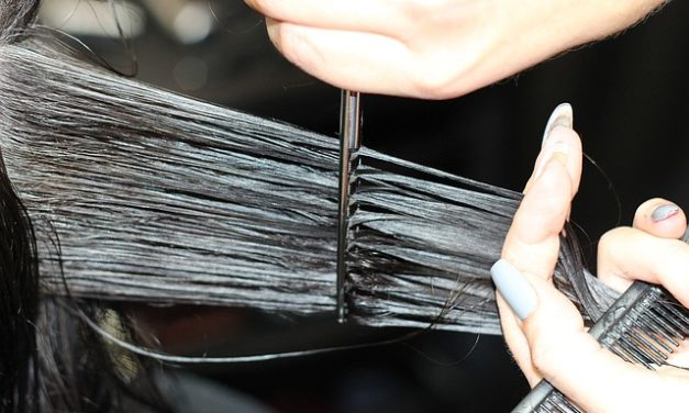 Utilizzare le forbici di assottigliamento: è così che funziona