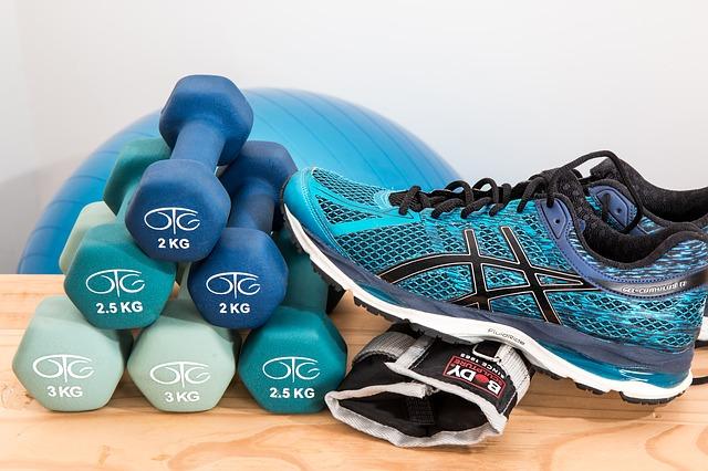 Gobba della vedova: ginnastica per compensare la postura sbagliata