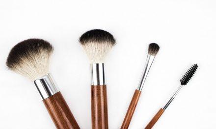 Applicare il trucco in mousse: come utilizzare la giusta tonalità di colore