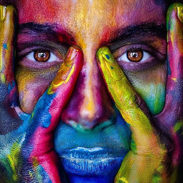 Due diversi colori per gli occhi: come affrontarlo