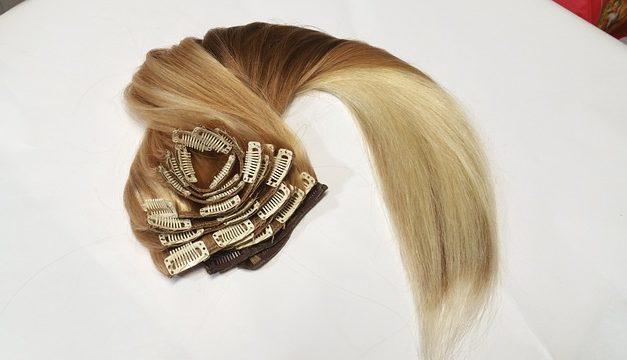 Utilizzare correttamente le estensioni dei capelli per l'incollaggio