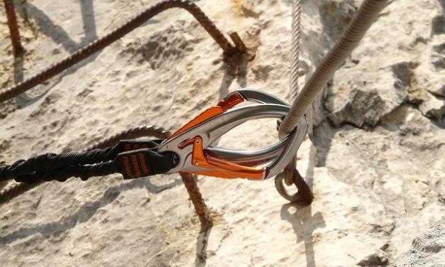 Usare la fune metallica per il tensionamento come ausilio per l'arrampicata: è così che funziona
