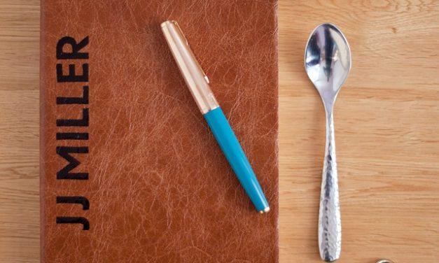 Notebook: scopri il tuo nome: come trovare il nome del modello
