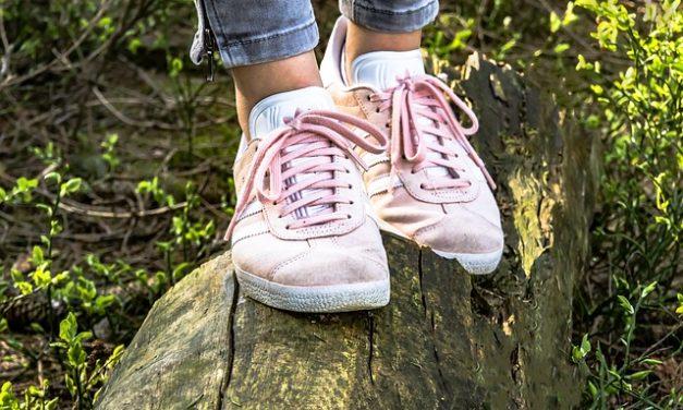 Scarpe da pattinatore vincolanti: ecco come diventa elegante