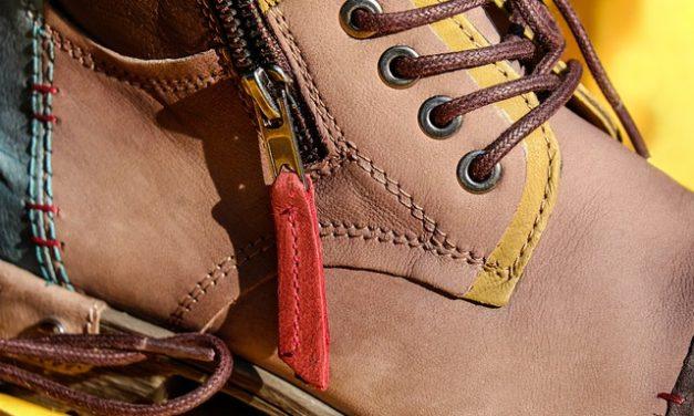 Combinare gli stivali marroni nel modo giusto: è così che funziona