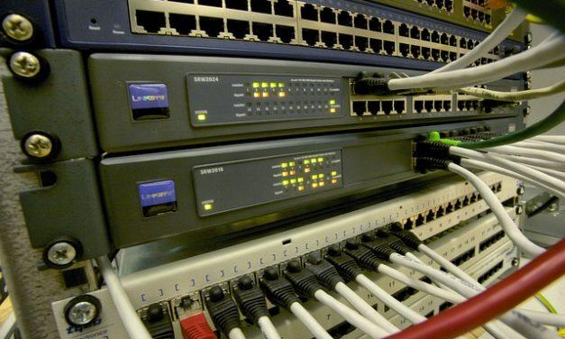 Esecuzione di un reset del router: ecco come funziona