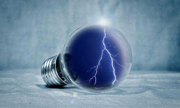 Lampada a risparmio energetico che emette luce calda: questo è ciò che si dovrebbe prestare attenzione quando si acquista