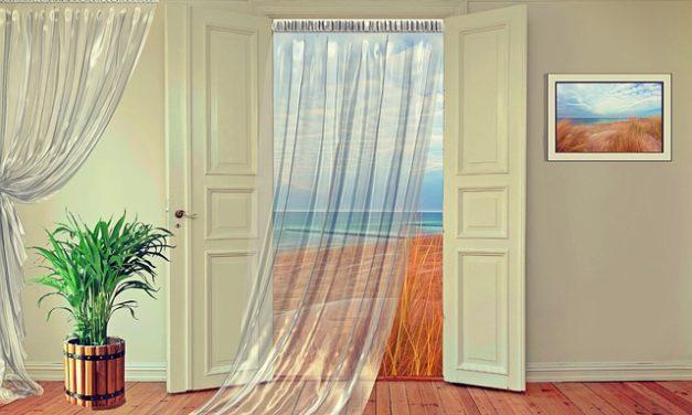 Vivere nel seminterrato: ecco come si progetta un accogliente appartamento seminterrato