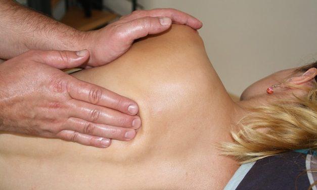 Problemi alla schiena: quale medico ti aiuta e cosa puoi fare
