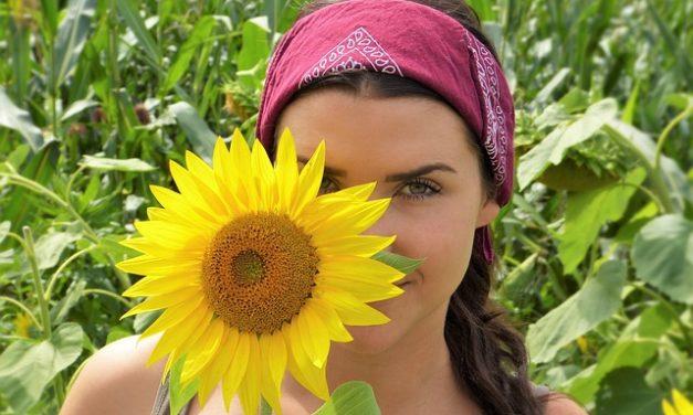 Lozione solare per pelle impura: prestare attenzione a questo aspetto