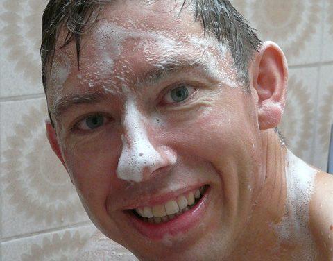 Shampoo Anti-Lock: come raddrizzare i capelli