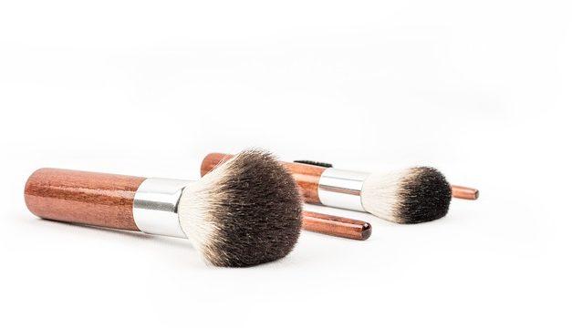Applicare correttamente il make-up in estate: questo è come applicare il make-up nel calore