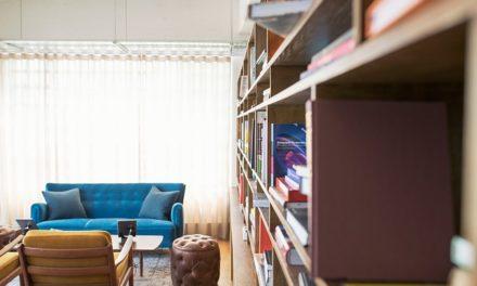Design cromatico per il soggiorno: idee per abbinare i colori