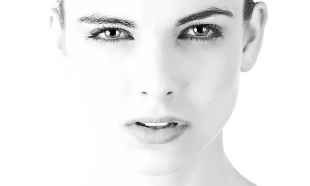 Punti neri sul viso: cosa fare?