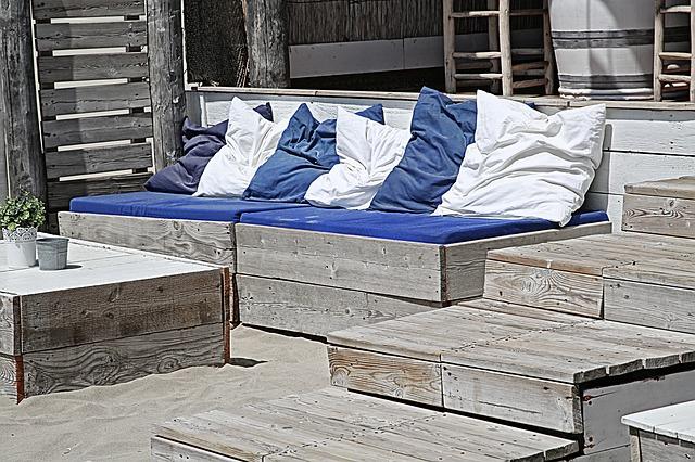 Copertina divano: come aggiornare i vostri vecchi divani otticamente