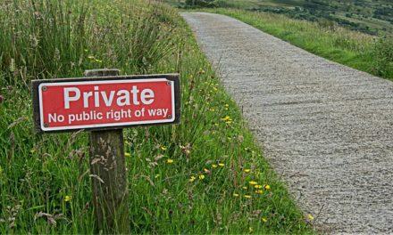 Diritto comune: utilizzare un appezzamento di terreno nonostante il divieto