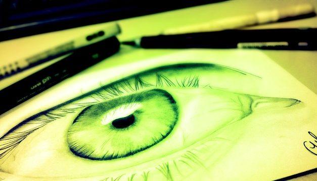 Uso corretto della matita eyeliner: è così che riesce l'uso conscio della moda