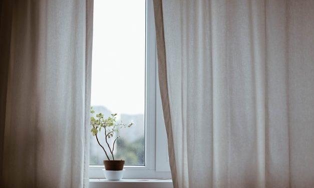 Utilizzare le tende per l'isolamento termico